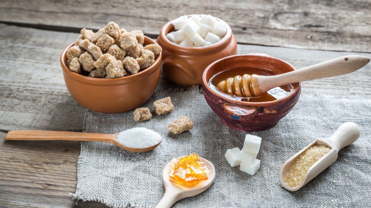 Opções saudáveis para substituir o açúcar refinado