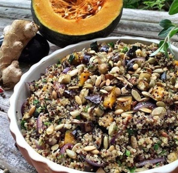Salada de quinoa com abóbora