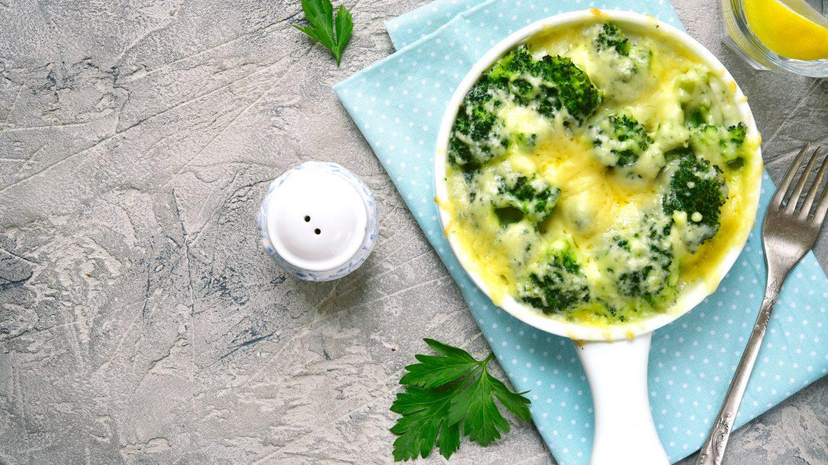 Brócolis com molho branco vegano