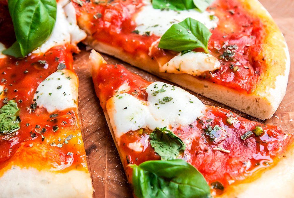 Pizza de frigideira com farinha de aveia